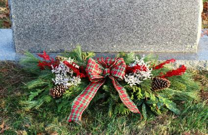 christmas - Christmas Grave Decorations